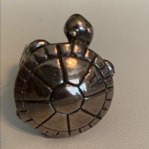 💍💍Saint Turtle Ring In Silver size 7.